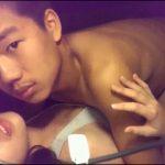 [CHINESE] 大學帥室友帶女友回宿舍干用紅色避孕套,對白有趣,動作笨拙可愛