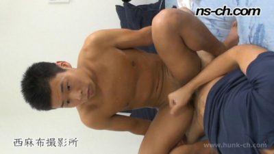 [HUNK-CH] NS-273 – 実録ノンケ男子大学生ブラックバイト!ノンケが騎乗位で掘られイキ!!