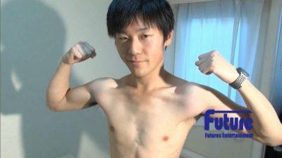 [FUTURE BOY] TC1003746 – 21才真面目系学生が初の男攻めに感じまくり!オナホ体験では「ヤバ!これイッちゃいます!」
