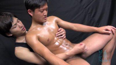[MEN'S RUSH] MS-108 – 腹筋ボコボコの体育会青年が手コキでイク!