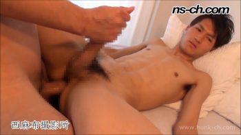 [HUNK-CH] NS-471 – 生でヤらせてくれる腹筋男子!!羽交い締めで種付!!