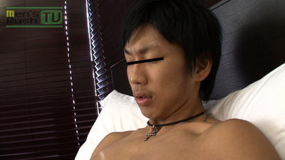[MEN'S RUSH] MR-ON587 – デカチン美体の若リーマン!スーツ脱ぎ捨て淫乱オナニー