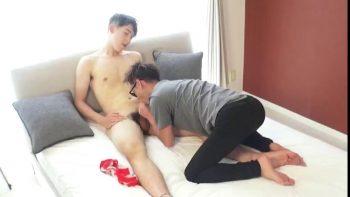 [HUNK-CH] KPP-0346 – 超大人気モデル【マイク】が人生初、男性の性器を咥える!!