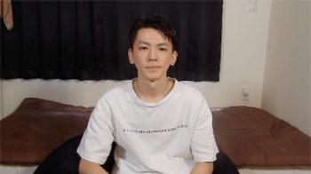 HBM-013 – 20歳のプレミアボーイが遂にデビュー!カメラの前でオナニーを披露!