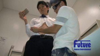 TI1005124 – STAFF推薦作品!【企画-こんなとこでヤッちゃいました!】多目的トイレで22才イケメン若サラが発展!
